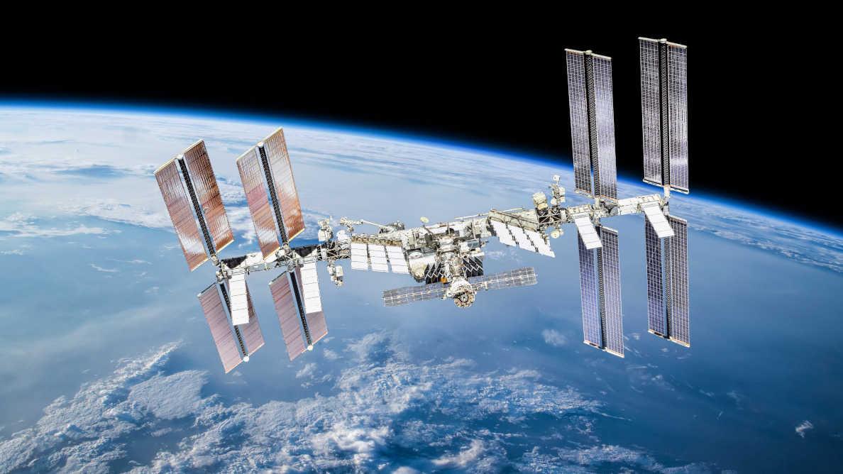 Ученые впервые проводят в космосе стоматологическое исследование